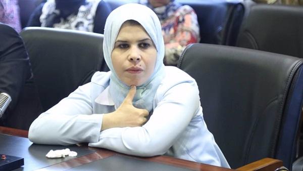 منى عبدالعاطي وكيل تعليم البرلمان  رفضت ارتداء الشورت بالجامعات 96610