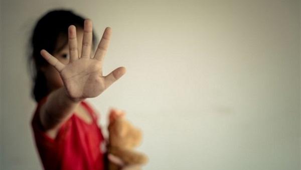 أولياء أمور يتهمون معلم بالتحرش بابنتهم فى الصف الأول الإبتدائى بالشرقية 97510