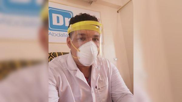 عبدالله سالم طبيب بمستشفي حميات الأسماعلية، إن الموجه الاولي لم تنتهي بعد، ونحن بصدد موجه ثانية 97712