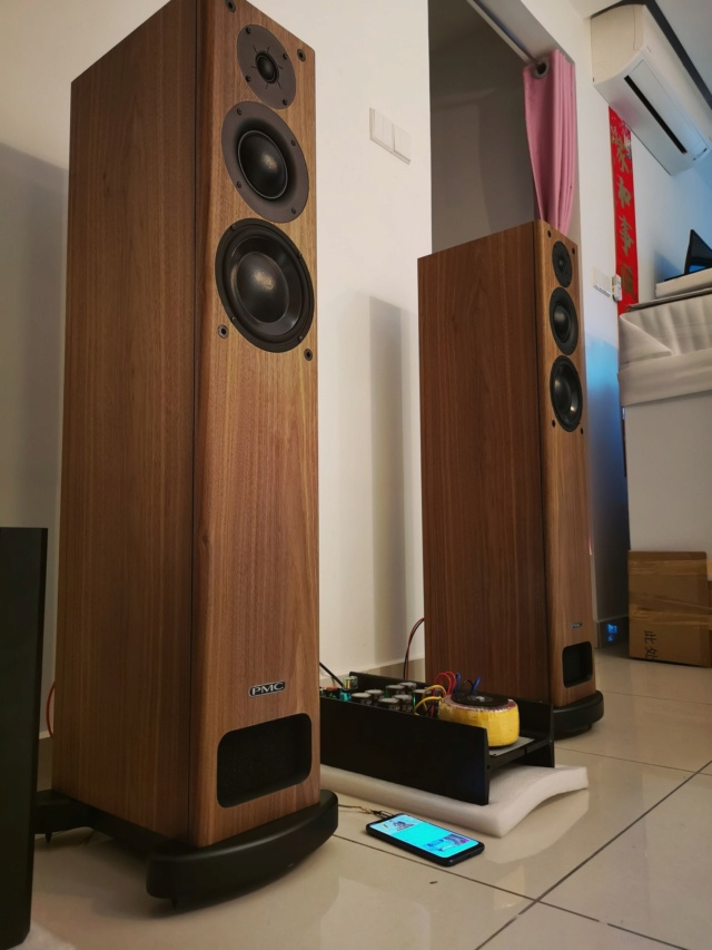 PMC OB1i floorstand speakers (Used) Pmcob110