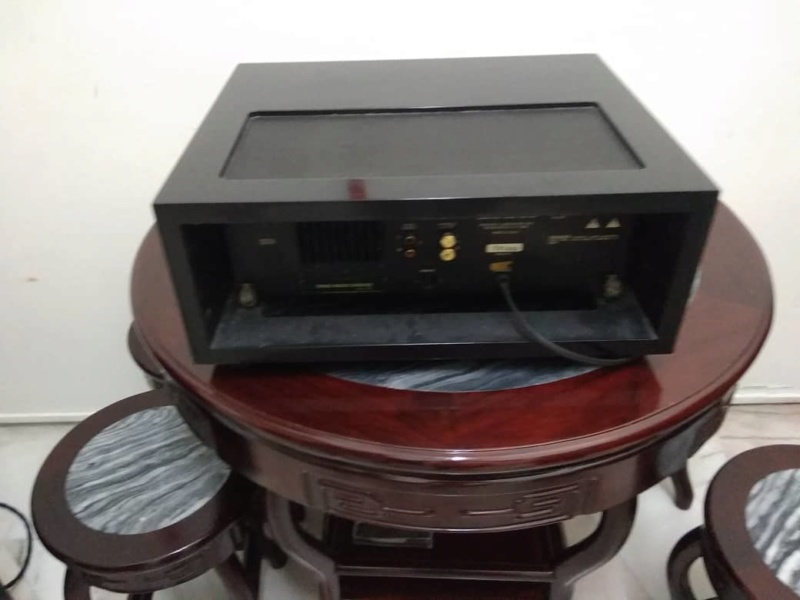 Mcintosh cd player (used) Whats410