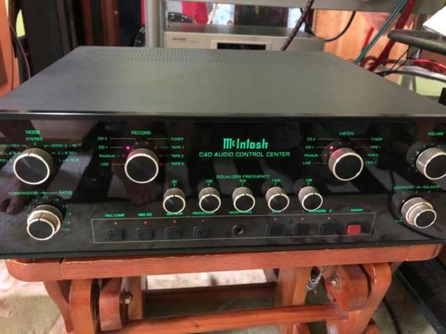 McIntosh C40 pre-amplifier (used) Whats429