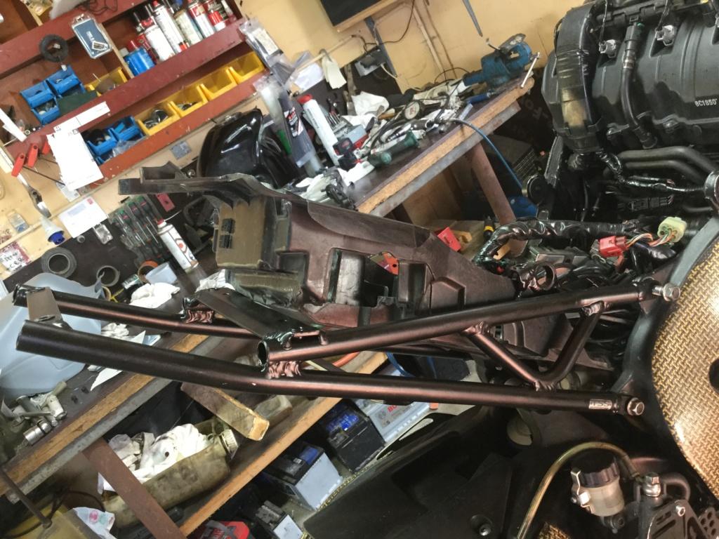 Problemes montage poly arrière cbr sc59/ boucle arrière  D3ebd210