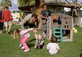 Madeleine McCann super recognisers 'to track down potential new suspect in holiday pics' Playgr10