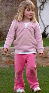 Madeleine McCann super recognisers 'to track down potential new suspect in holiday pics' Playgr11