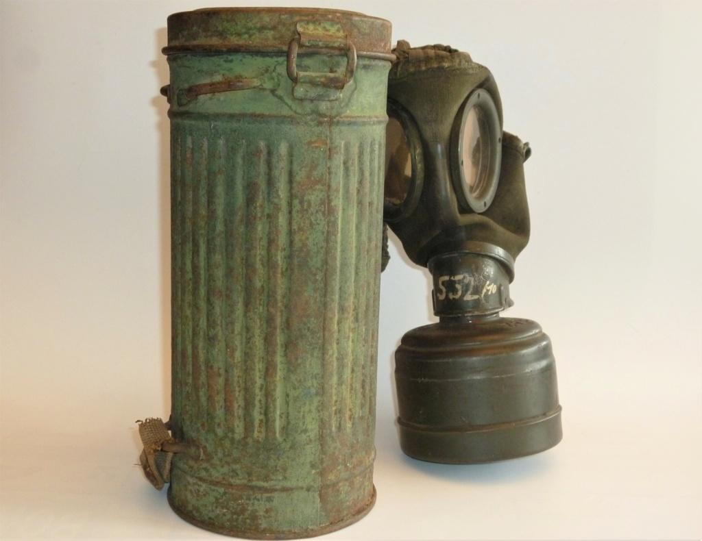 Un masque à gaz Allemand peint vert olive 0623
