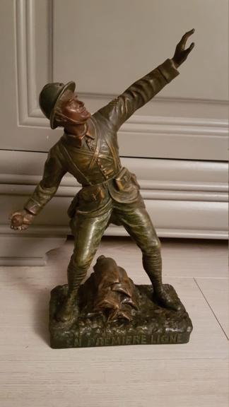 """Statue d'un grenadier Français """"en première ligne"""" 20210110"""