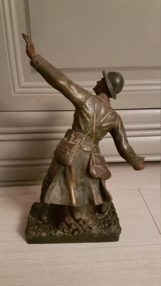 """Statue d'un grenadier Français """"en première ligne"""" 20210112"""