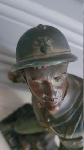 """Statue d'un grenadier Français """"en première ligne"""" 20210117"""