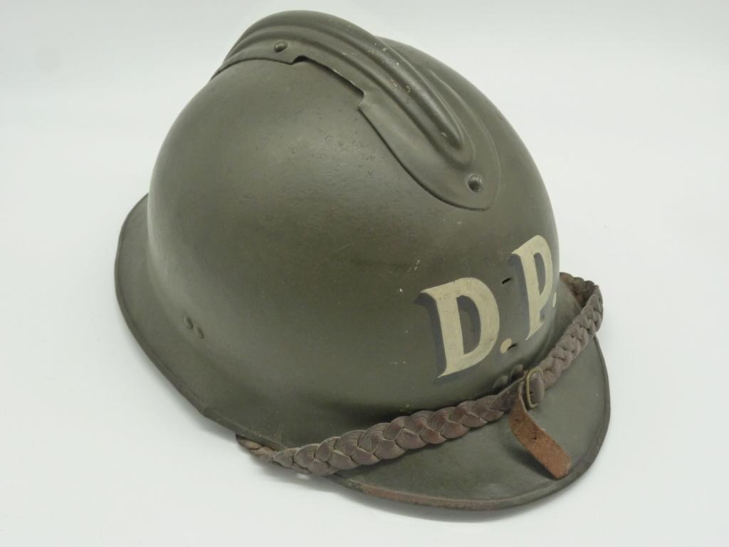 Casque Mdle 15 de la défense passive avec insigne particulier type rondache P1270816