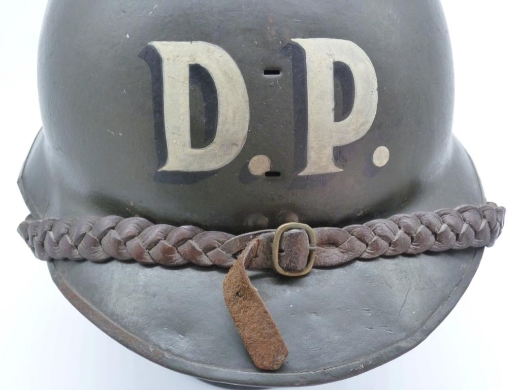 Casque Mdle 15 de la défense passive avec insigne particulier type rondache P1270817