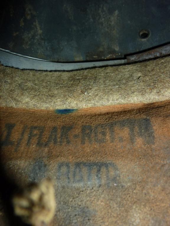 Casque LW bétonné avec insigne du premier type P1300714