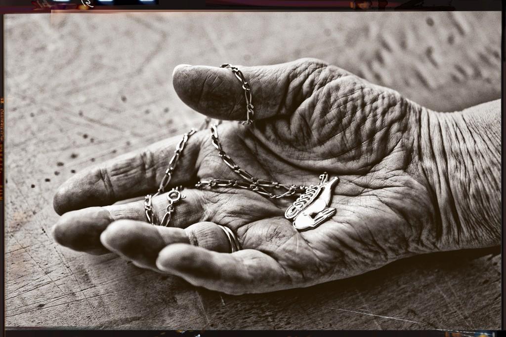"""Concours photo du mois de juin 2018 - Thème """"Dans la paume de la main"""" (terminé) Dsc_0012"""