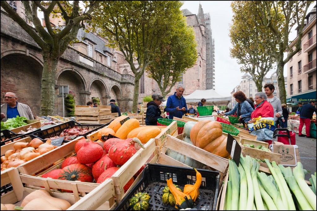 """Concours photo du mois d'octobre 2019 - Thème : """"Jour de marché"""" (terminé) Dsc_0064"""