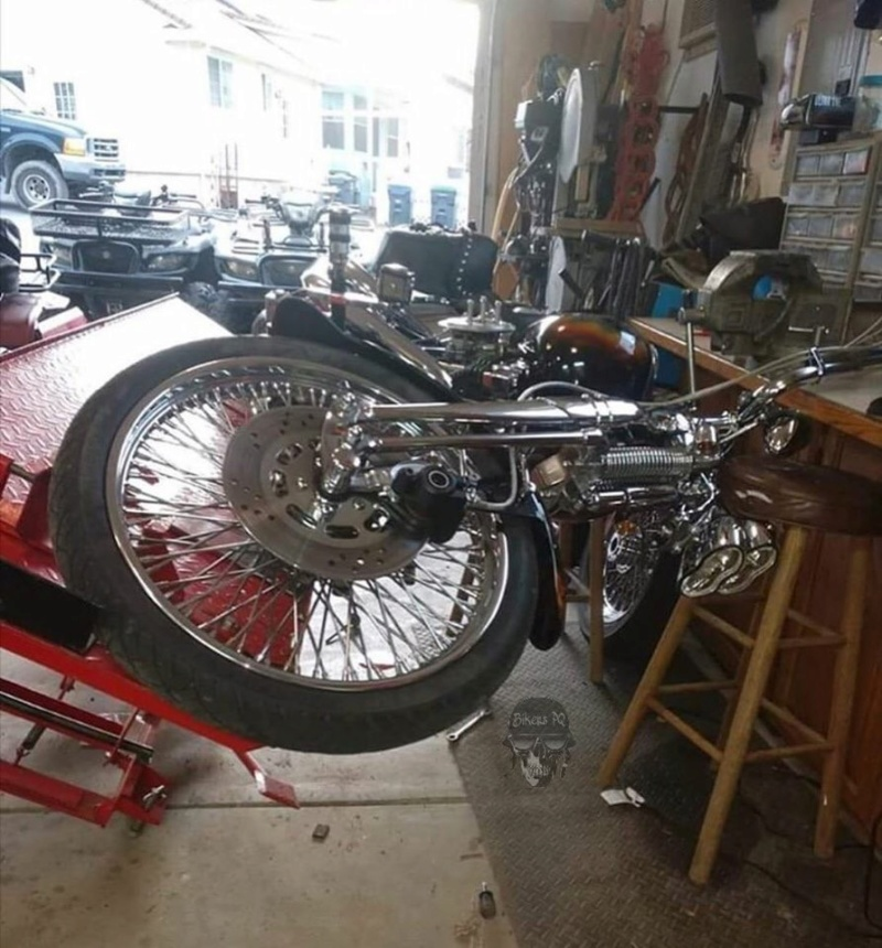 A qui est cette moto ? - Page 2 Image-81