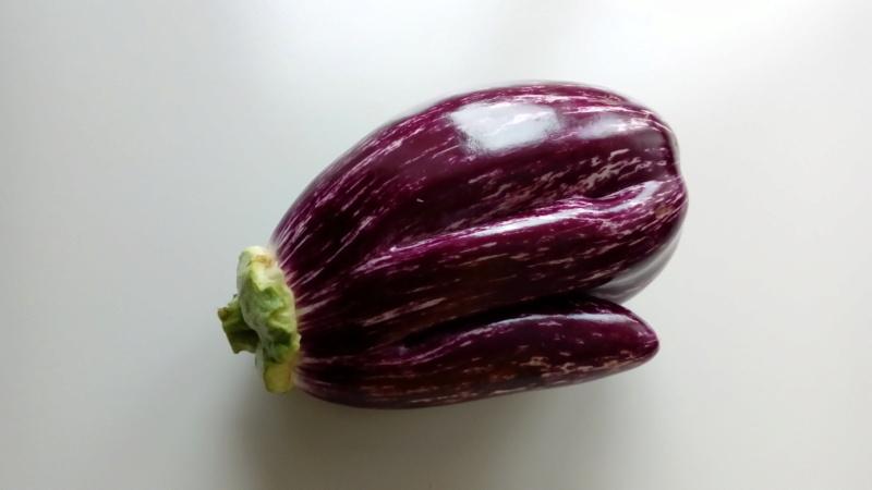 Légumes aux formes bizzares. - Page 7 P_201497