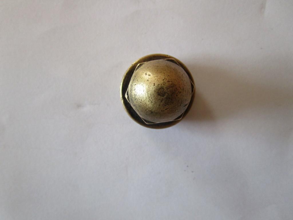 Ecrou de roue / Ecrou a rotule ( N° 30193 Gauche et n° 30192 Droite )  Img_2912