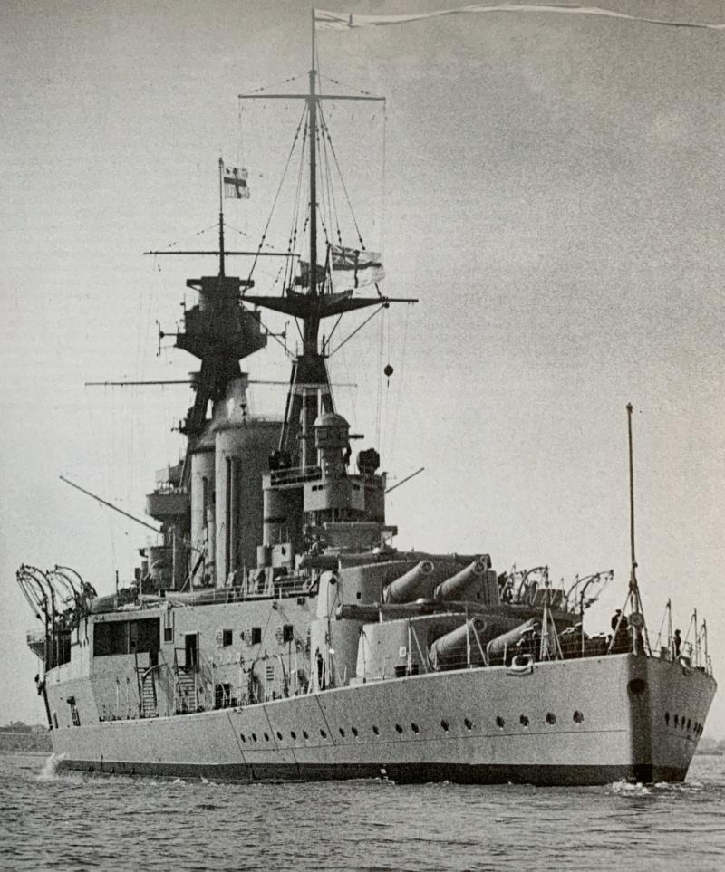 Cuirassé HMS HOOD 1941 1/400ème Réf 81081 Img_3510