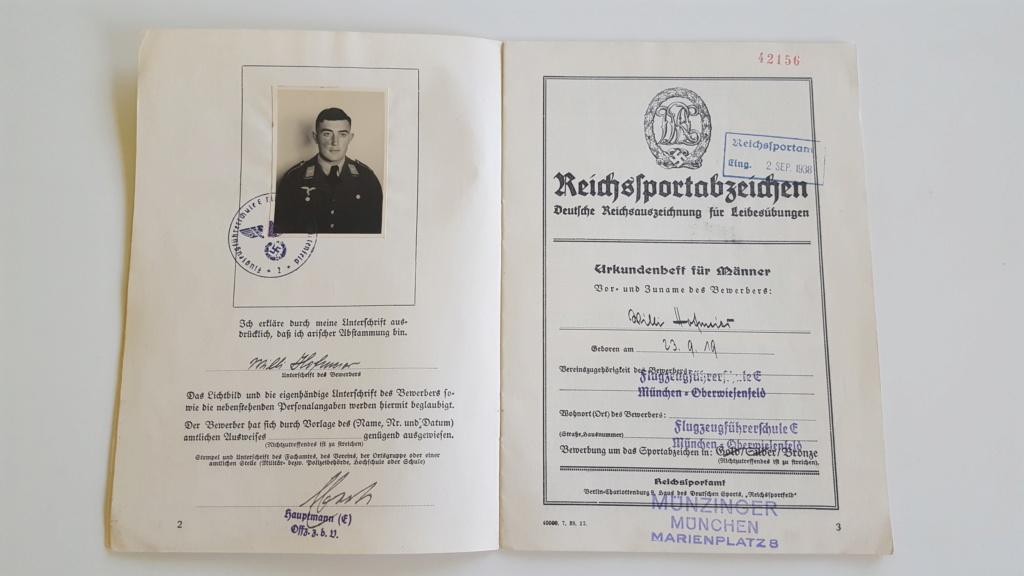 Groupe de diplôme d'un pilote de Stuka 20200524