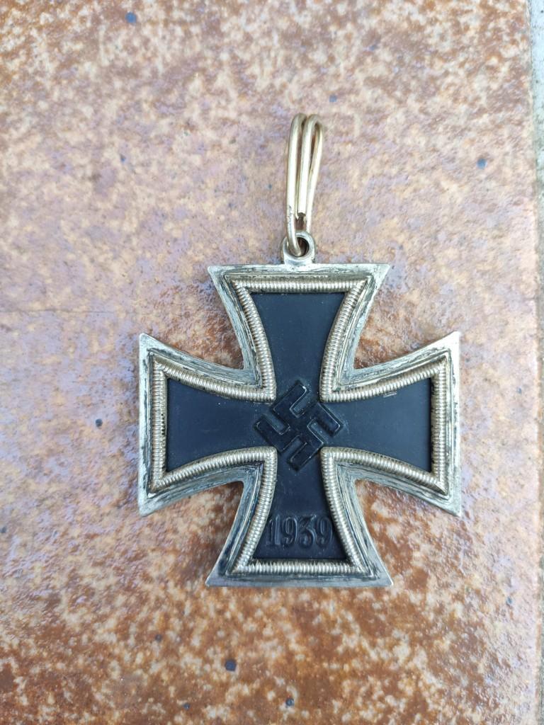 Croix de chevalier de la croix de fer et badge d'infanterie Img_2084