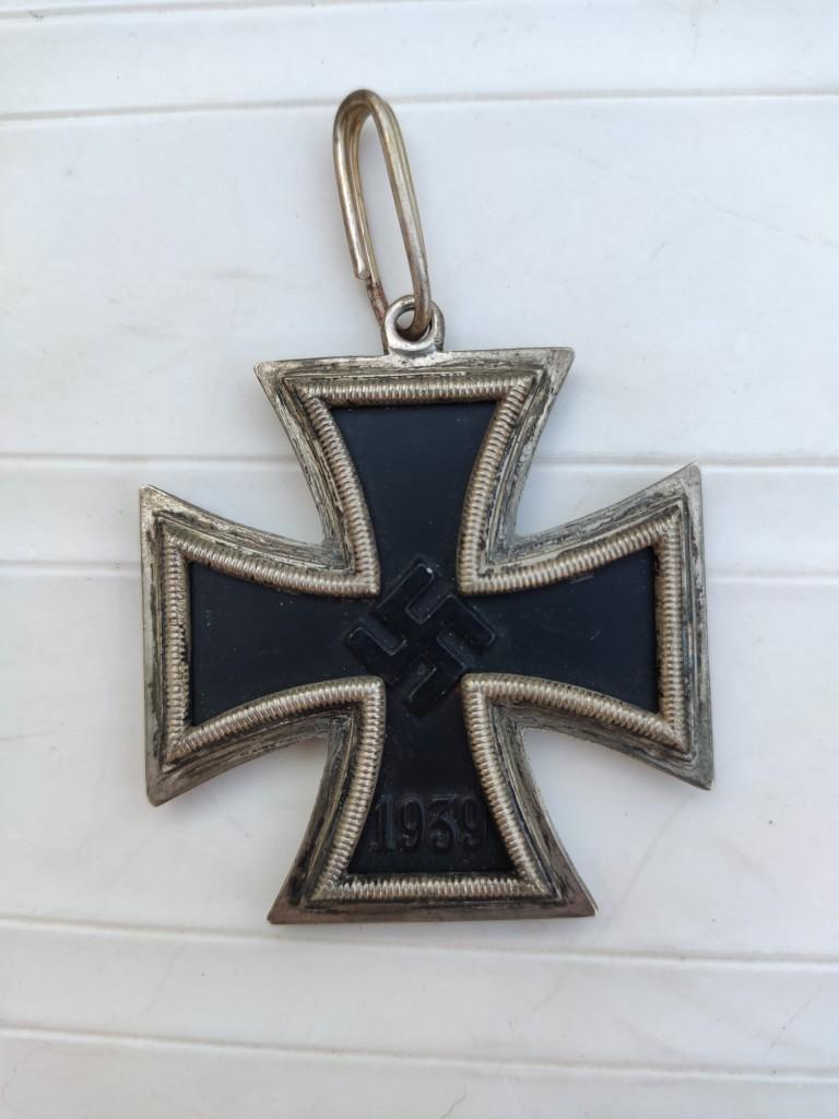 Croix de chevalier de la croix de fer et badge d'infanterie Img_2087