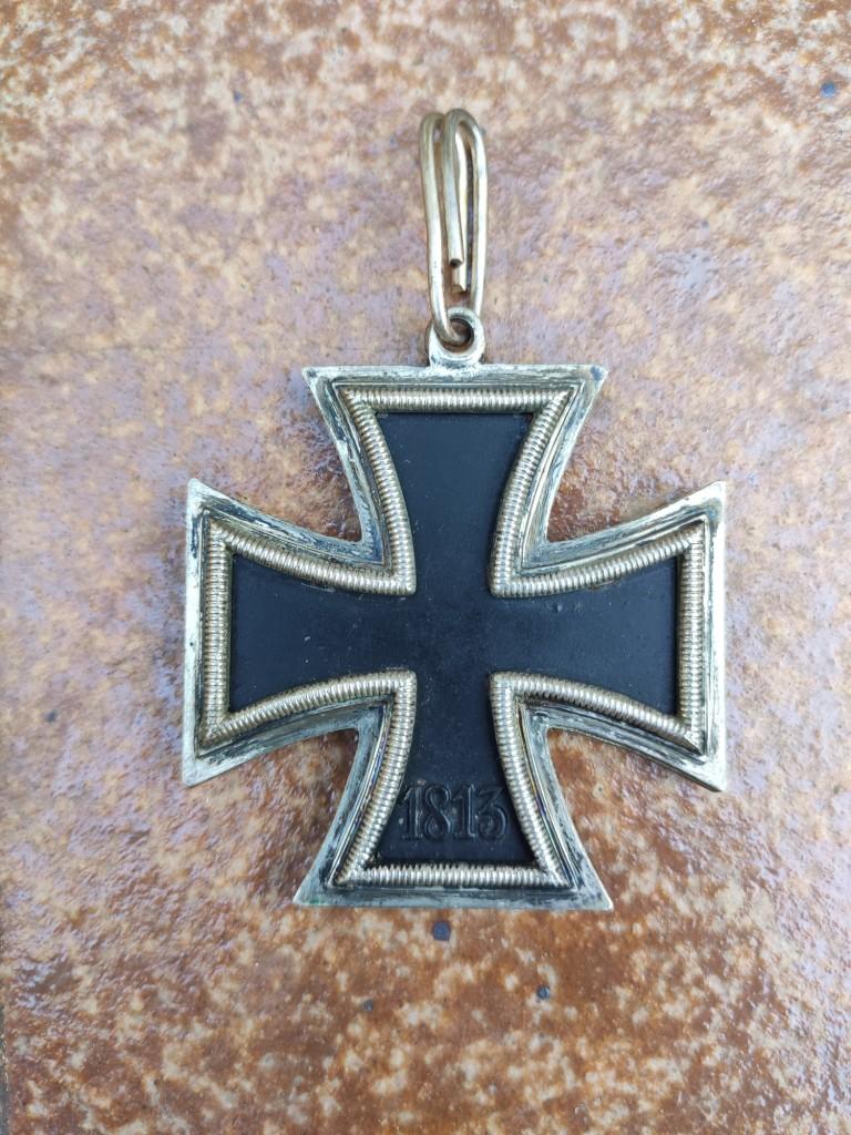 Croix de chevalier de la croix de fer et badge d'infanterie Img_2089