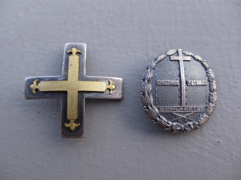 2 badges freikorps Img_6937