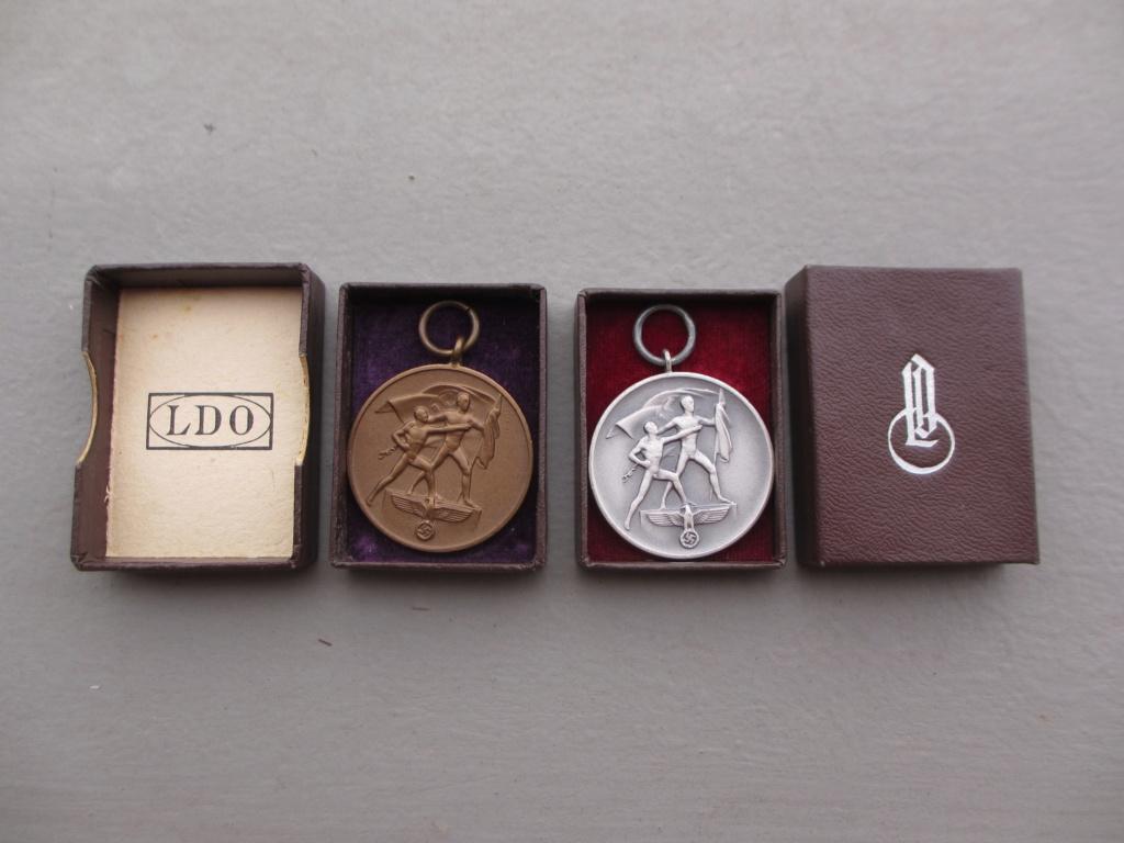 2 belles médailles allemandes en écrin Img_6953