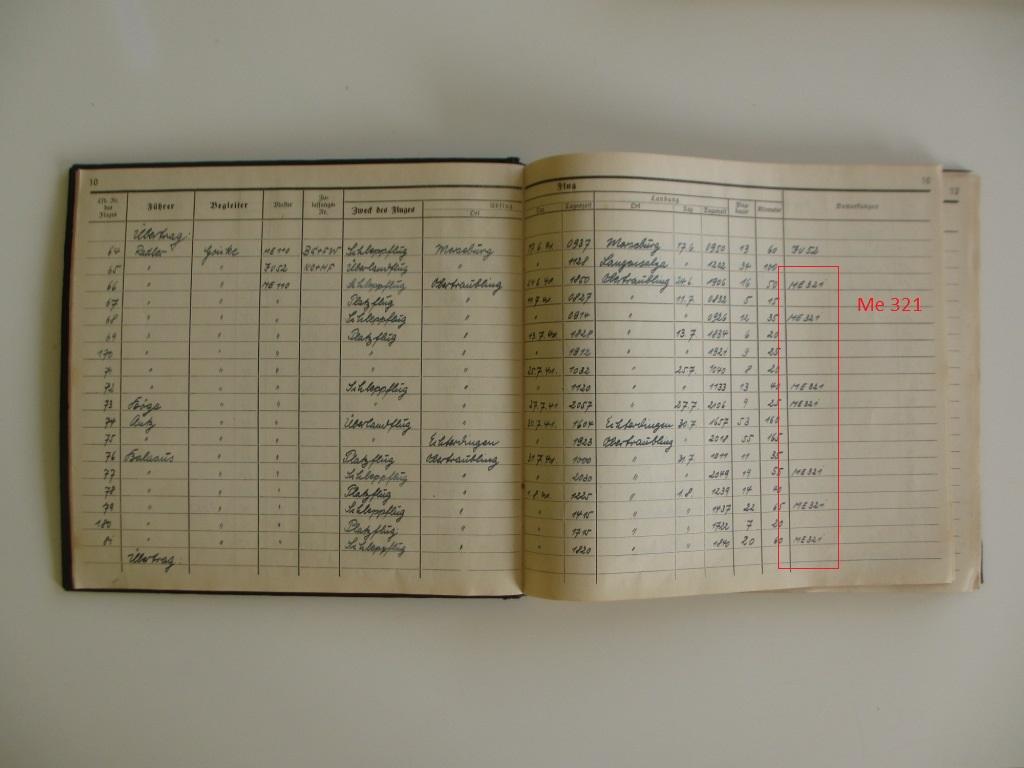 Groupe de documents d'un tireur de bord sur Me 110 Img_7025