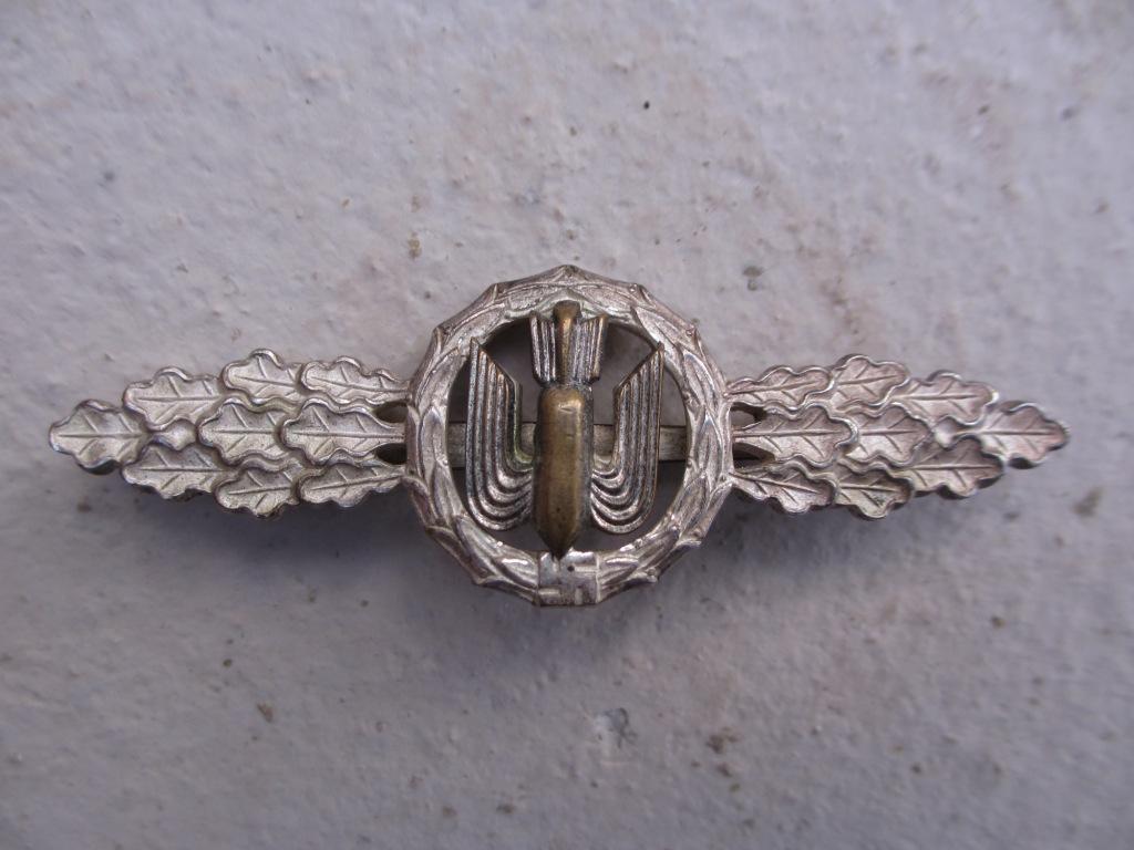 Un agrafe d'équipage de bombardier pour Noël Img_7155