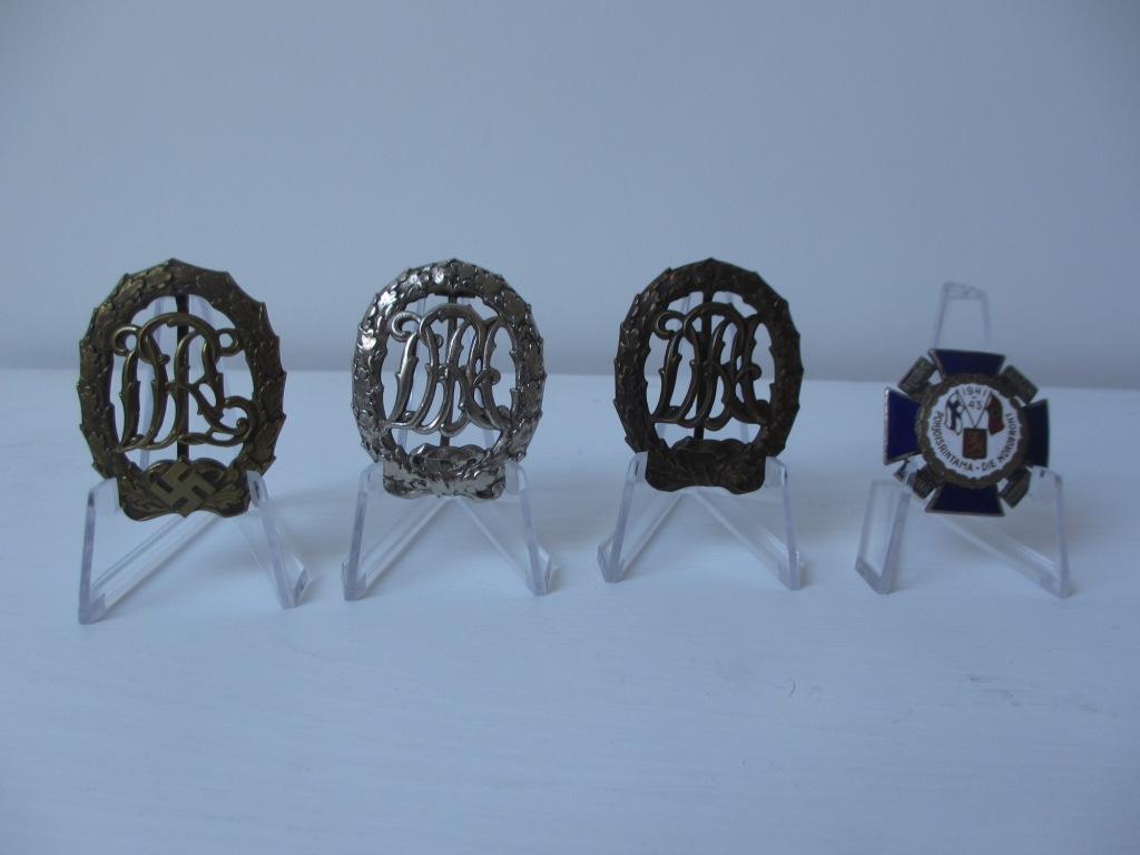 Une nordfrontkreuz et des badges des sports Img_7220