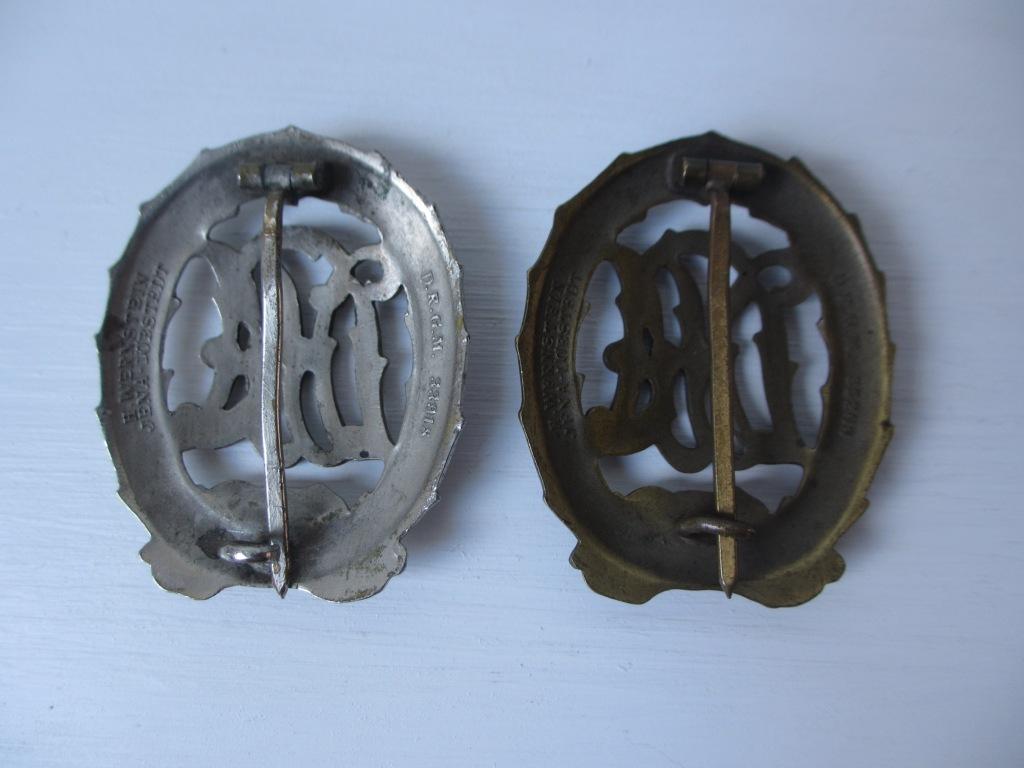 Une nordfrontkreuz et des badges des sports Img_7224