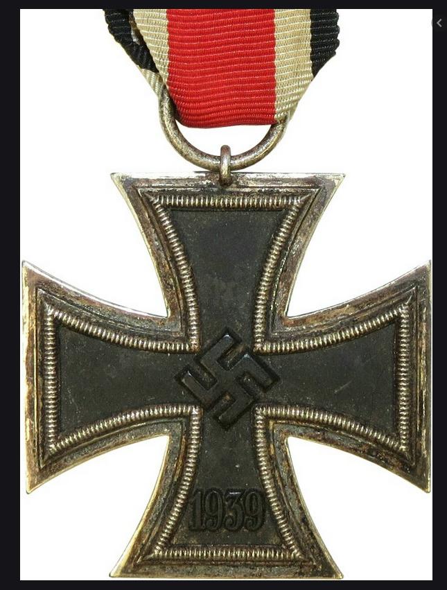 Croix de chevalier de la croix de fer et badge d'infanterie Sans_t10