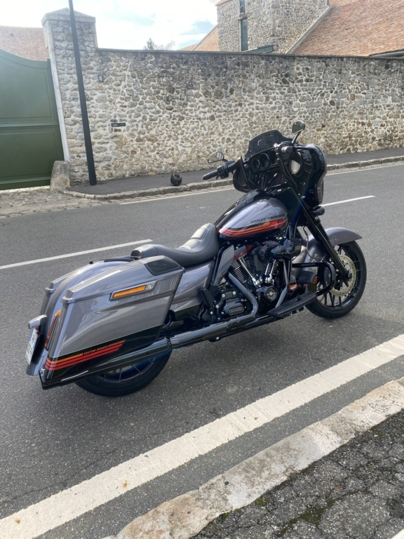 Street Glide CVO combien sommes nous sur Passion-Harley - Page 8 3ad44110
