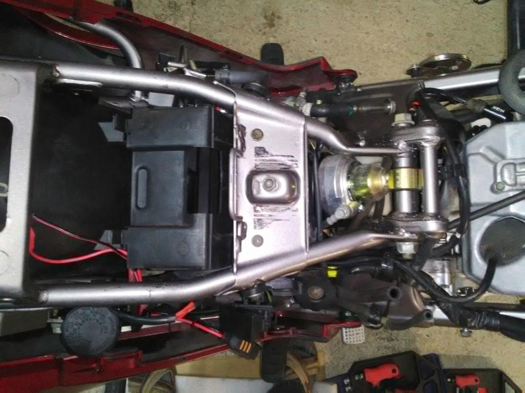 Deauville 650 : nettoyage moteur et cadre (Decap'Four) Img_2033