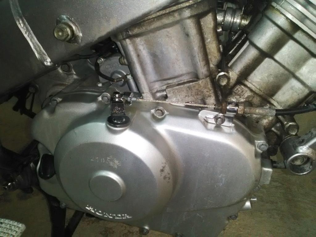 Deauville 650 : nettoyage moteur et cadre (Decap'Four) Img_2034