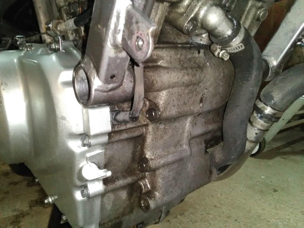 Deauville 650 : nettoyage moteur et cadre (Decap'Four) Img_2035