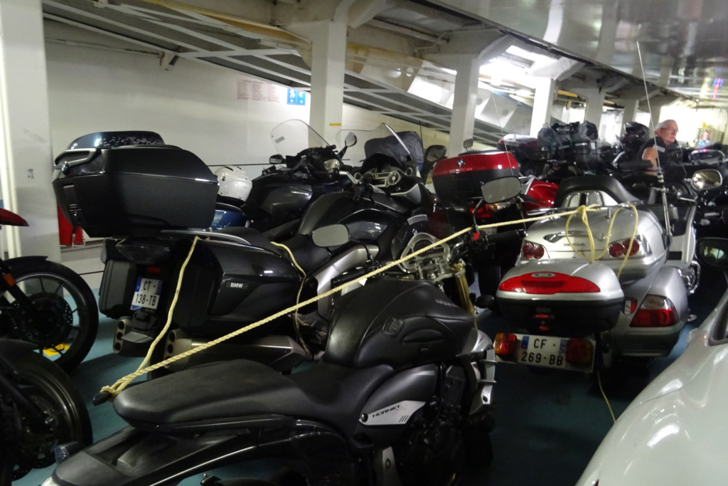 Vacances en Corse et embarquement moto Dsc03513