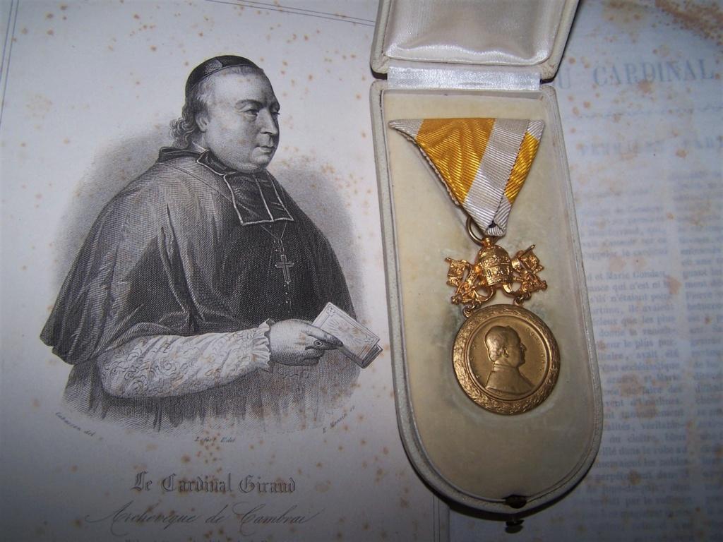 Une belle décoration papale... 000_1244