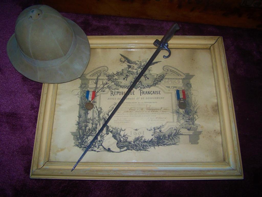 Casque Colo anglais, decos et rosalie 1886 000_2259