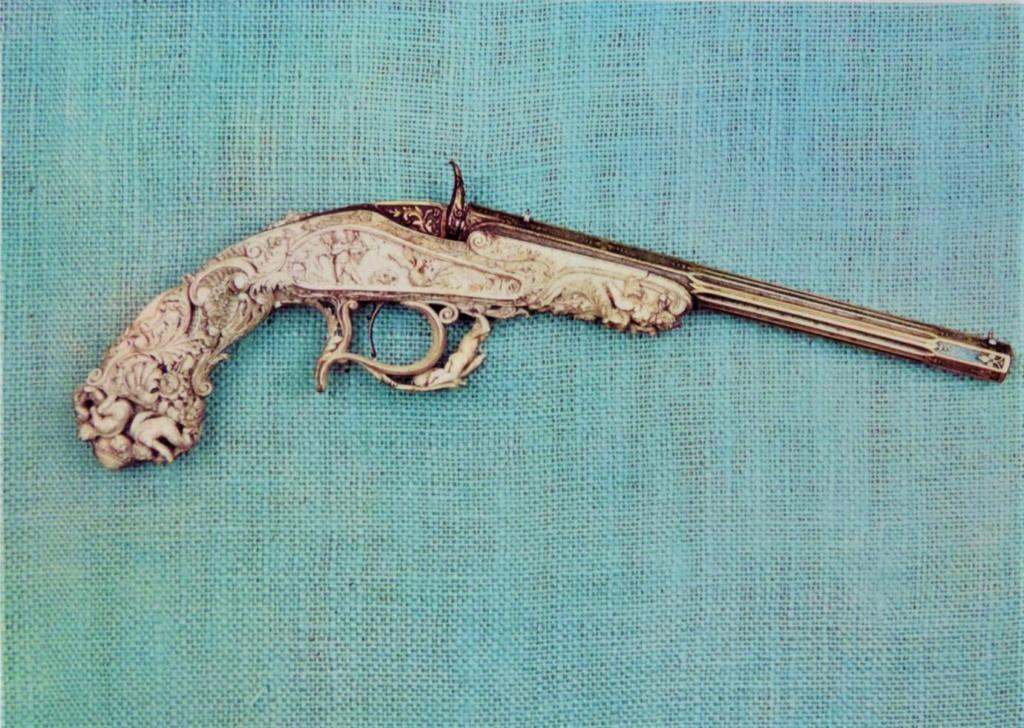 Pistolet ancien 97286410