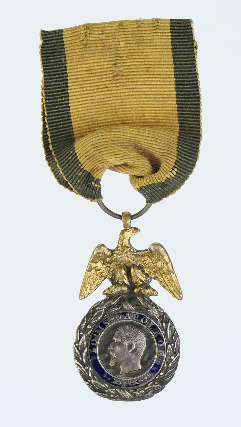 authentification Médaille militaire 2nd Empire Produi11