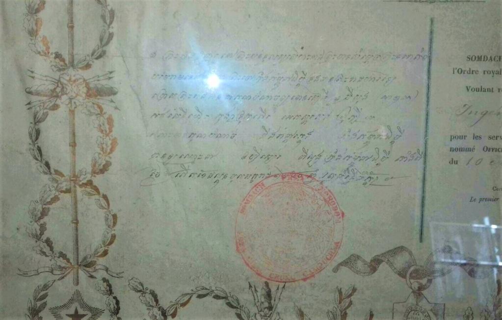 Un beau diplôme Ordre Royal du Cambodge et l'histoire de son titulaire... S-l16012