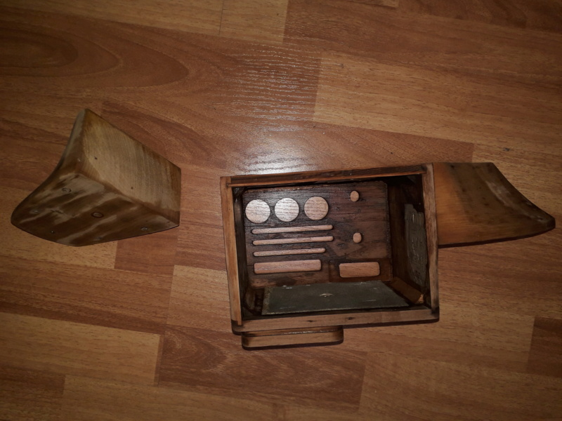 Ламповый радиоприёмник Majestic Melody Cruiser 1S49, 1940 год, США. 20210511