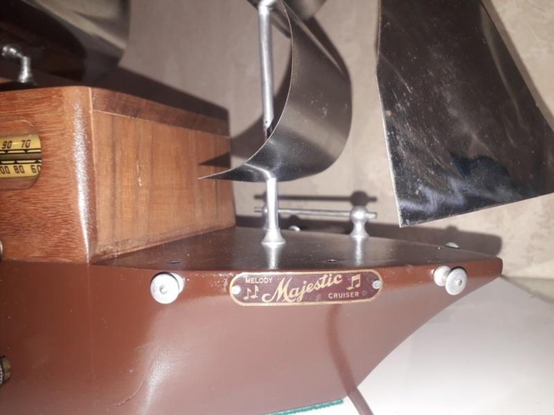 Ламповый радиоприёмник Majestic Melody Cruiser 1S49, 1940 год, США. 20210516
