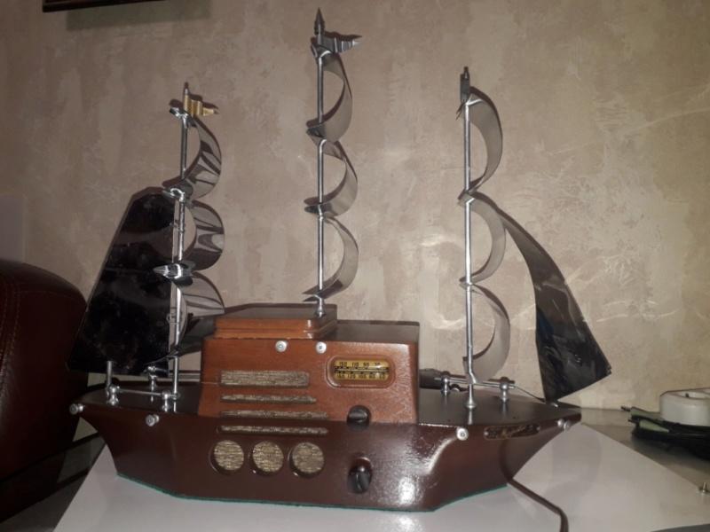 Ламповый радиоприёмник Majestic Melody Cruiser 1S49, 1940 год, США. 20210517