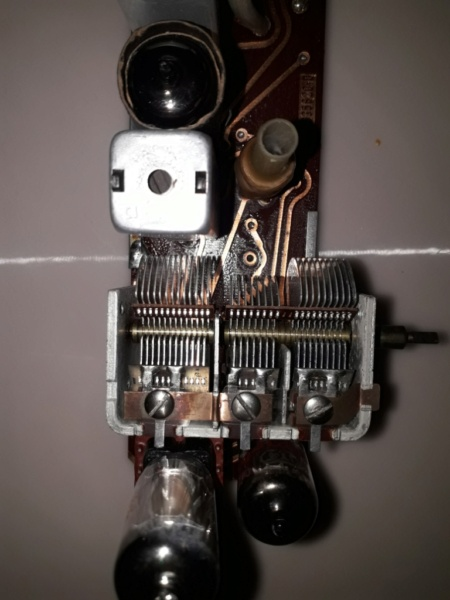Зарубежные бытовые радиоприёмники - Страница 2 Naaa_457