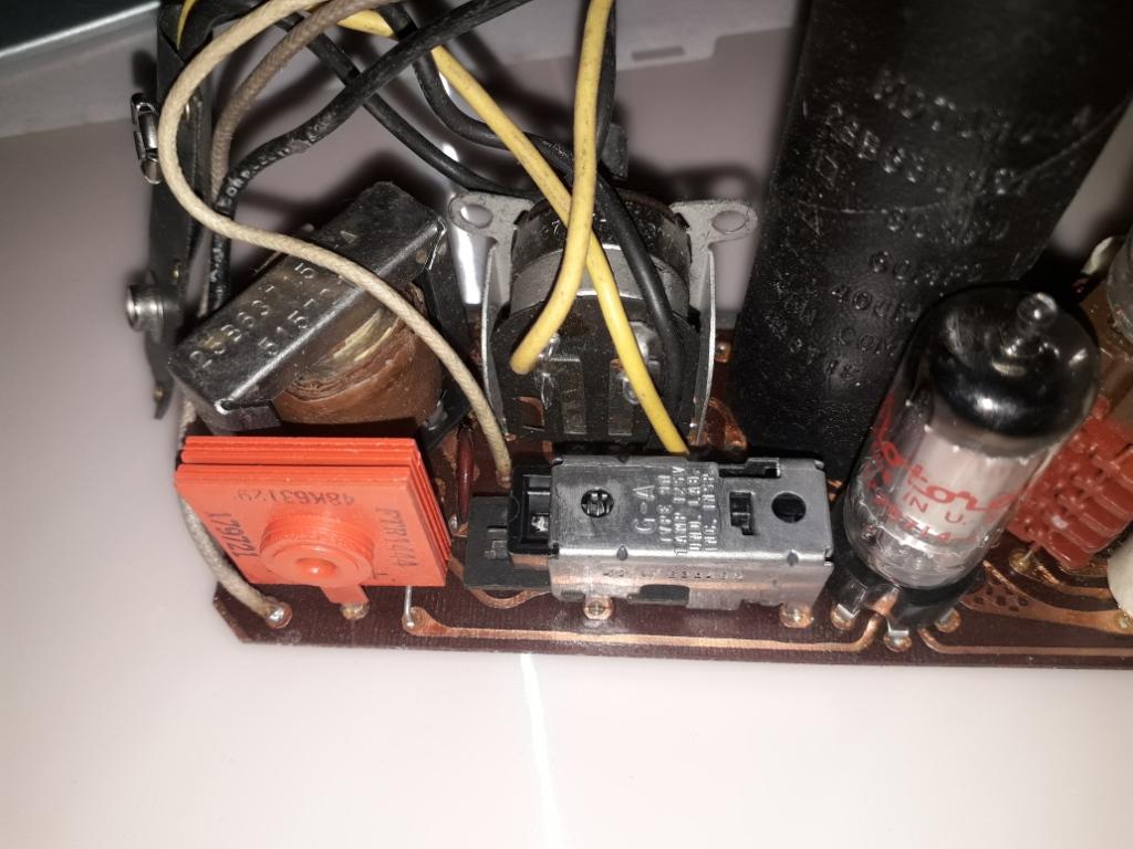 Зарубежные бытовые радиоприёмники - Страница 2 Naaa_467