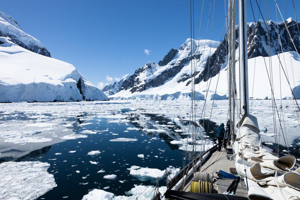 Antarctique - Page 4 2210