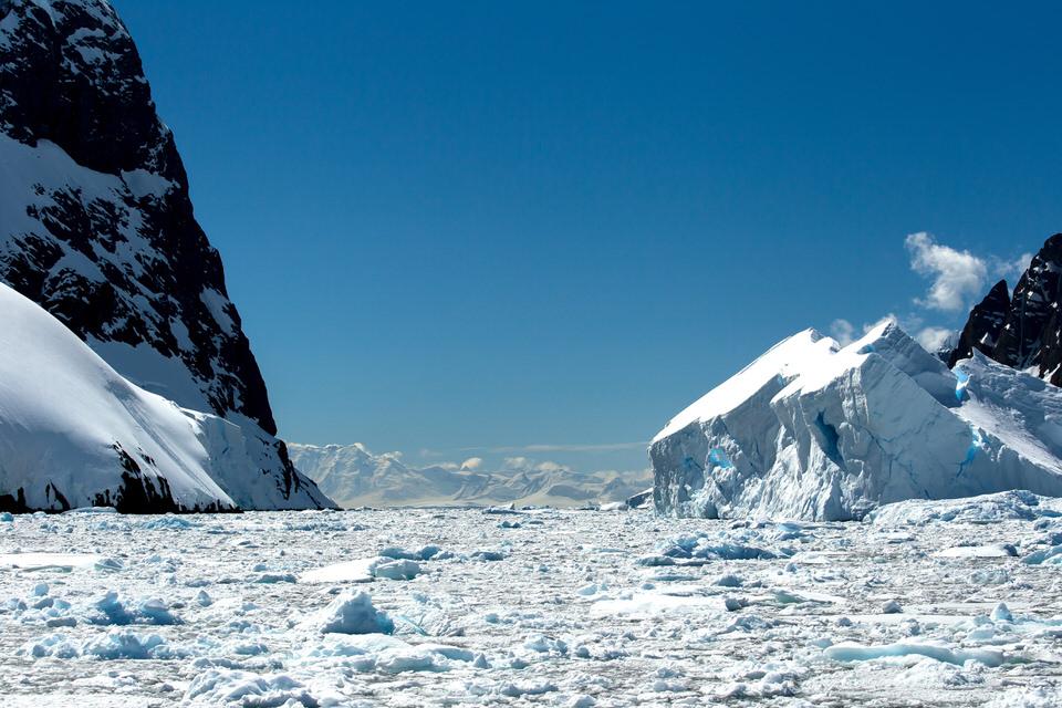 Antarctique - Page 4 2310